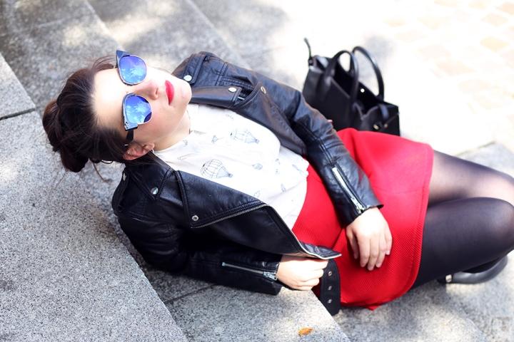 The girl who wears redlipstick