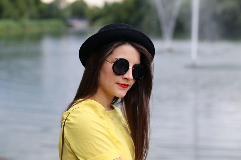 yellow-hello