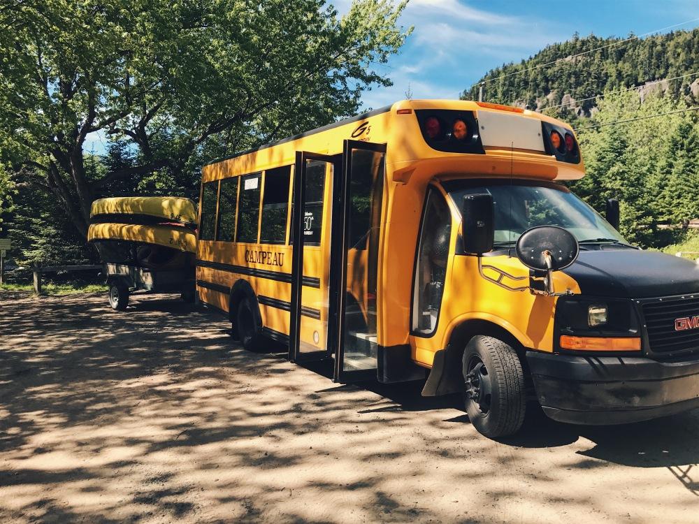 bus jaune canadien