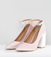 http://www.asos.fr/asos/asos-pipeline-chaussures-pointues-a-talons-hauts-carres/prd/7989971?clr=veloursrose&SearchQuery=&cid=27416&gridcolumn=3&gridrow=10&gridsize=4&pge=3&pgesize=72&totalstyles=249